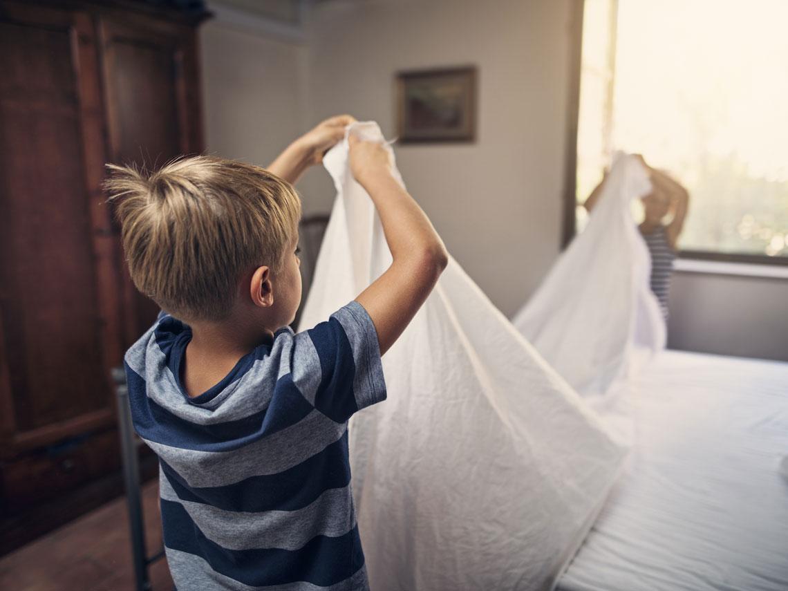 Tareas de casa: cómo pueden ayudar los niños