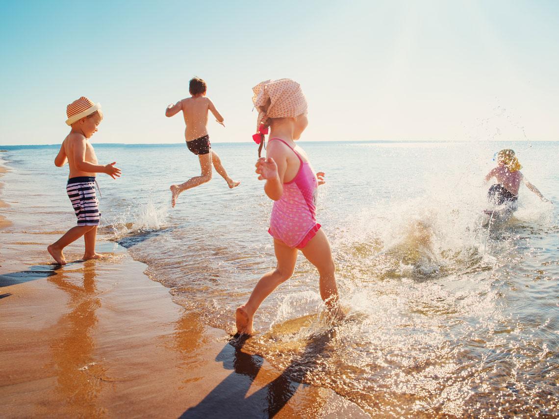Mito o verdad: ¿Meterse en el agua después de comer es malo?