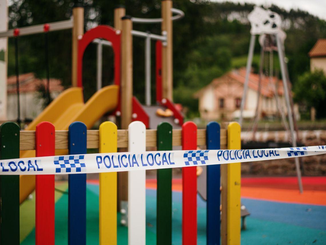 Por qué cierran los parques infantiles