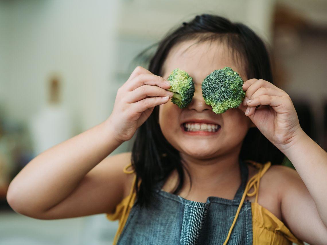 Cómo animar a los niños a comer más verduras según un estudio