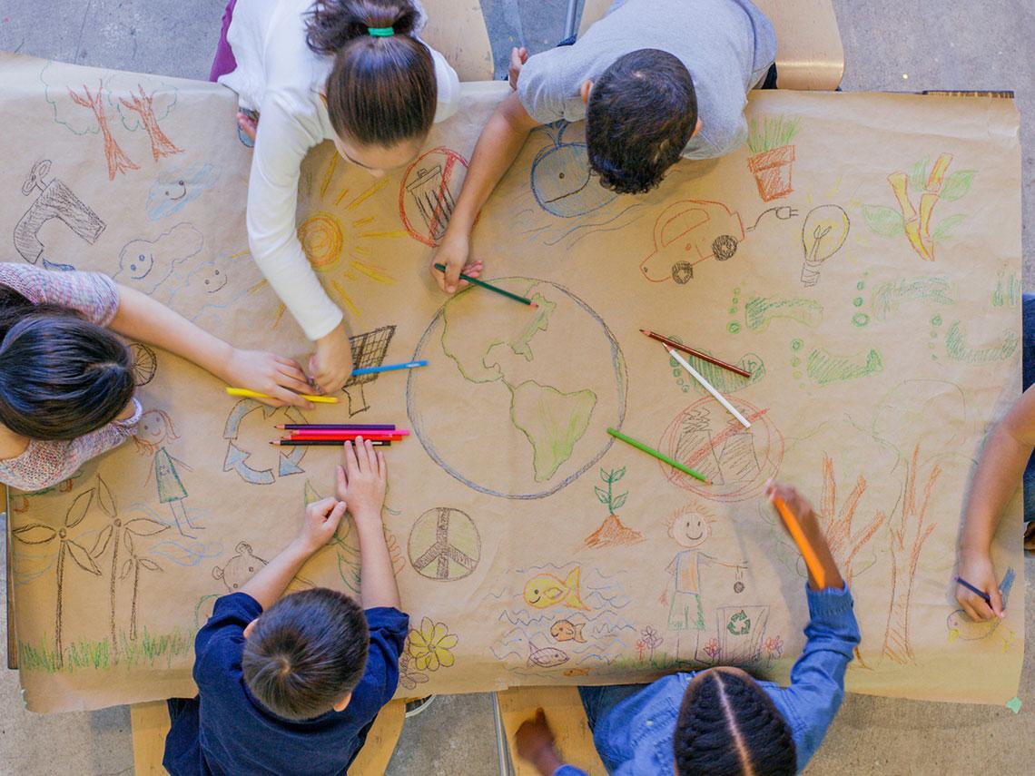 niños recibiendo educación ambiental