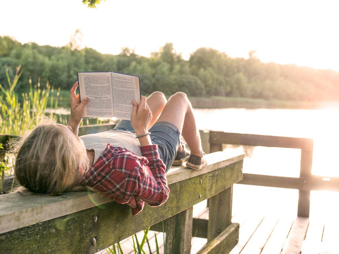 Niño leyendo (Foto: iStock)