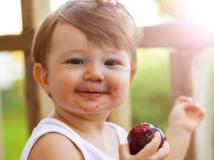 ¿Listas pedíatricas de alimentación o libertad para experimentar con la comida?
