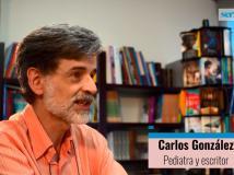 """Carlos González: """"A partir de los 5 meses suelen despertarse cada hora y media hasta casi los 3 años"""""""