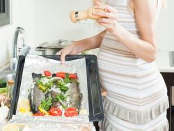 Comer pescado durante el embarazo potencia la inteligencia del futuro bebé