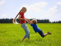 ¡Al campo con los niños! ¿Qué metemos en la mochila?