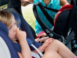 1 de cada 3 niños viaja en coche sin la silla de seguridad apropiada
