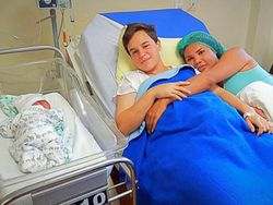 Nace el primer bebé de una pareja transexual en América Latina