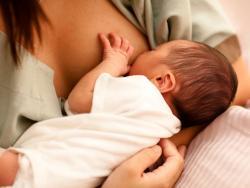 """""""Alimentar a un bebé con leche materna puede quemar entre 300 a 500 calorías al día"""""""