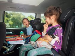 ¿Quieres cambiar la silla del coche de tu hijo? Claves para elegir la adecuada