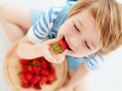 Las bases para tener una relación sana con la comida se asientan en la infancia