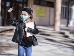 La Asociación Española de Pediatría propone una apertura gradual de escuelas y colegios