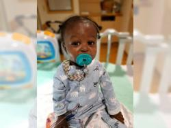 Un bebé sobrevive a la COVID-19 y a un trasplante de hígado con menos de un año