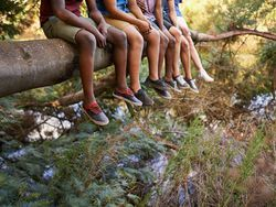 Moda infantil: 17 zapatos para pisar la primavera