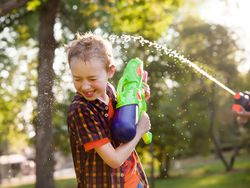 Más de 30 ideas de juegos y juguetes para las vacaciones de verano