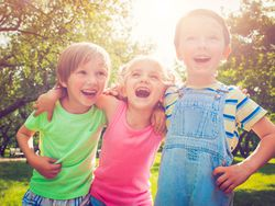 Conjuntazos de moda infantil para este verano