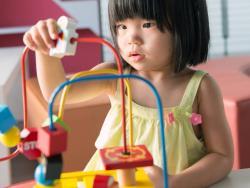 Mesas de actividades para bebés entretenidas y educativas