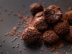 Dulces de Navidad caseros para hacer con niños: Trufas de chocolate