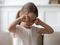 La regla 20-20-20 para acabar con la fatiga ocular en niños
