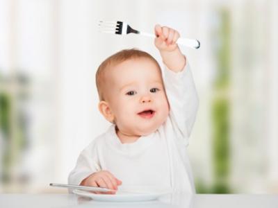 Los bebés pueden masticar aunque no tengan dientes