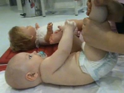 Masajes Shantala para bebés. Piernas y pies