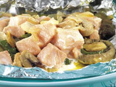 Tacos de salmón con verduras