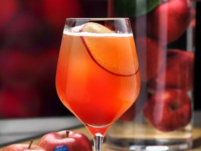 Cóctel de manzana sin alcohol