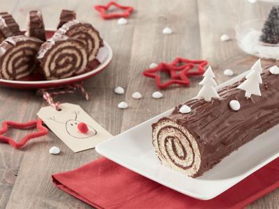 Tronco de Navidad de chocolate, una receta ideal para hacer con niños