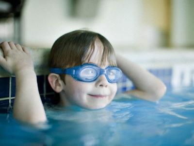 Test. ¿Es la natación el deporte que más le va a tu hijo?