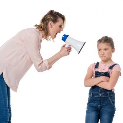 La técnica del Rinoceronte Naranja: cómo evitar gritar a tus hijos