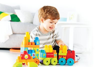Apilar bloques de construcción, más que un juego ¡un desarrollo físico!