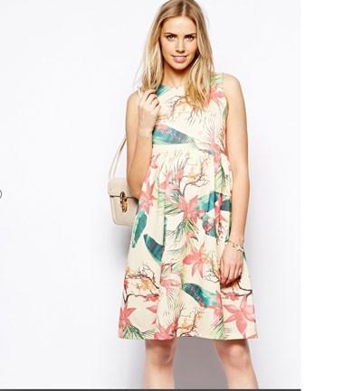 Vestido floral corto para embarazadas
