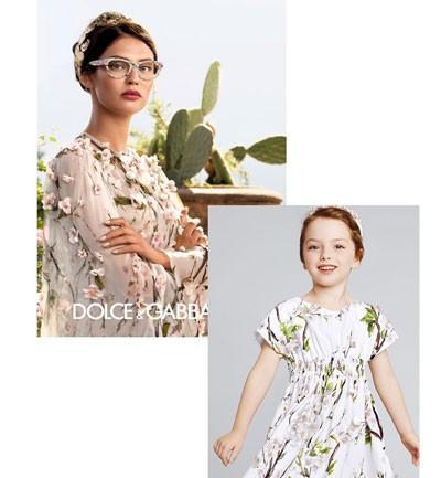 Niñas y madres iguales con ropa de Dolce&Gabbana