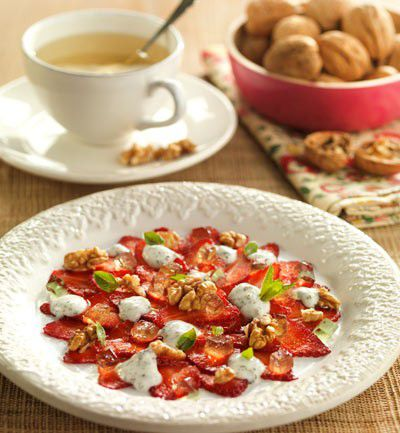 Carpaccio de fresones con nueces