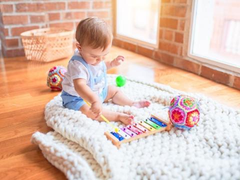Si quieres que tu hijo sea feliz, introduce la música en su aprendizaje