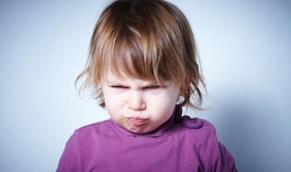 Todos los niños pasan etapas en las que están insoportables: descubre por qué