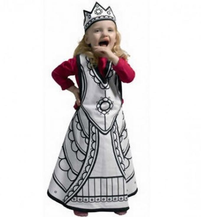 Disfraz para colorear de princesa. Villa Cartón