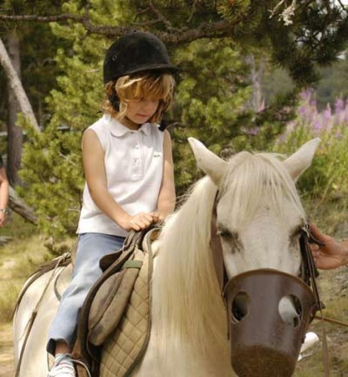 Montar a caballo o en pony