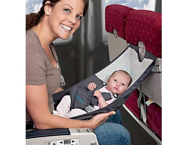 Pequeña cuna para viajar en avión