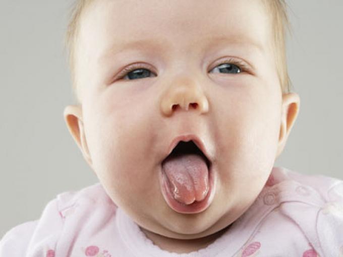 ¿Alivia el frío el dolor por la salida de los dientes?