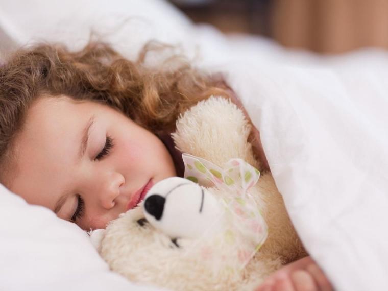 ¿Cuánto necesita dormir un niño según su edad?