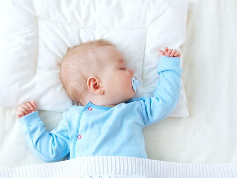 ¿Cuántas horas tiene que dormir el bebé?