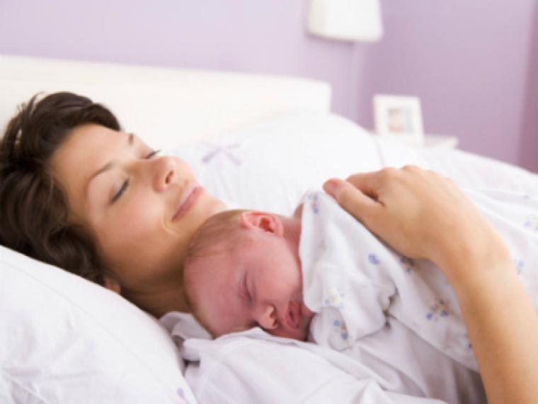 ¿Qué necesitan la mamá y el bebé al volver a casa?