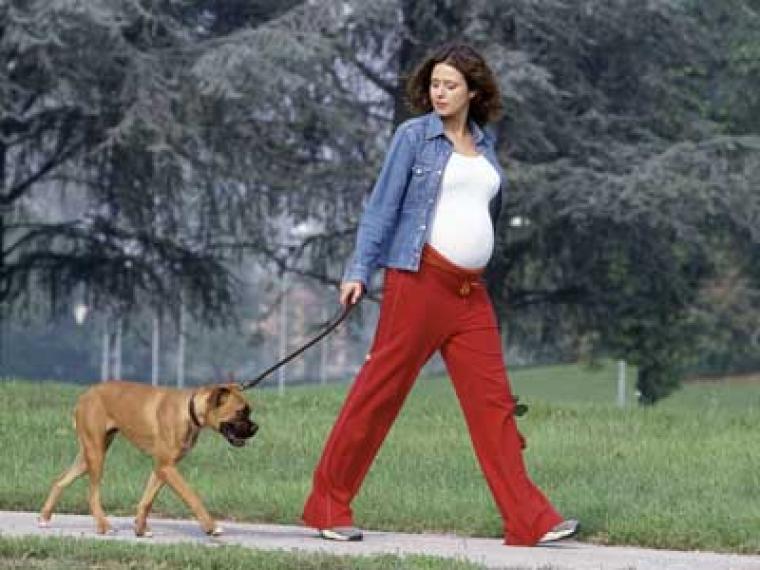 Andar: bueno para la madre, bueno para el feto
