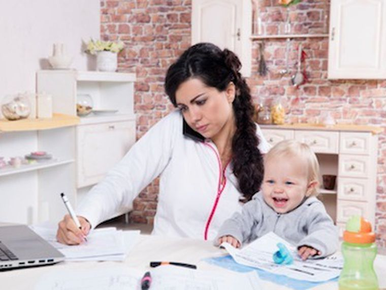 Mujer y madre: 'Me siento desbordada'
