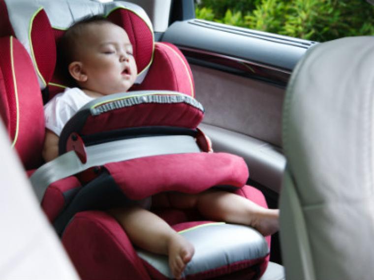 Viajar en coche con el bebé