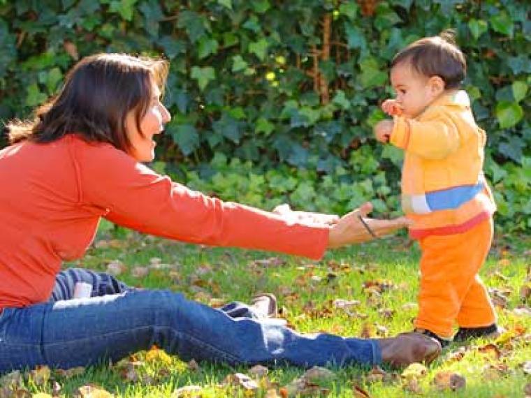 A los cuantos meses debe aprender a caminar un bebe