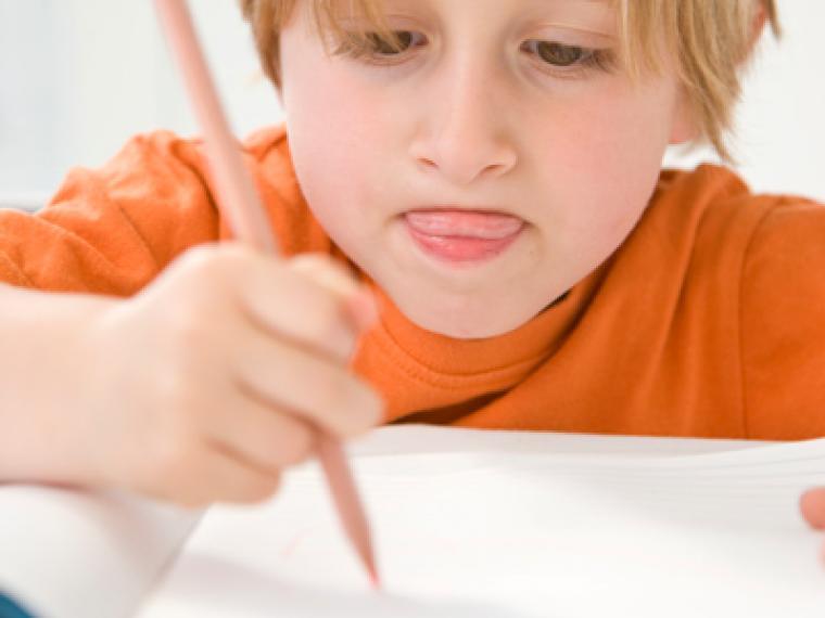 ¿Cómo afecta la subida del IVA al material escolar?