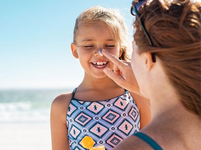 Verdades y mentiras sobre la exposición solar en la infancia