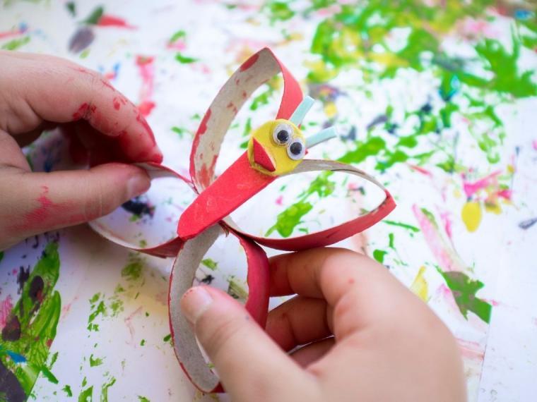 Manualidades para niños con material reciclado